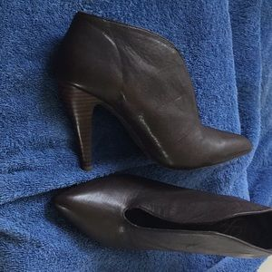 Size 7 dark brown heels